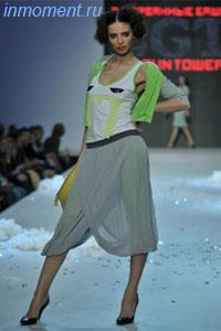 Капри представляют собой короткие брюки на резинке.  Такой фасон хорошо подходит для...