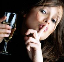 Не стоит смешивать алкогольные напитки.  Если пьете водку, то водкой и...