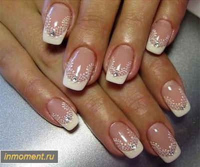 Дизайн ярких ногтей со стразами фото новинки