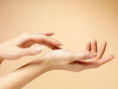 Потливость рук class=