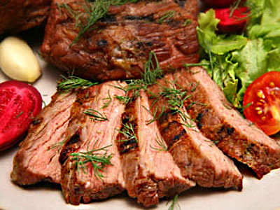 Приготовить кусок мяса в духовке