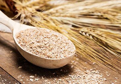 Пищи и отрубей также необходимо употреблять много жидкости лучше в теплом