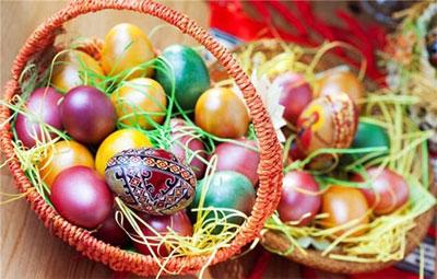 В какой цвет красят яйца на пасху рекомендации