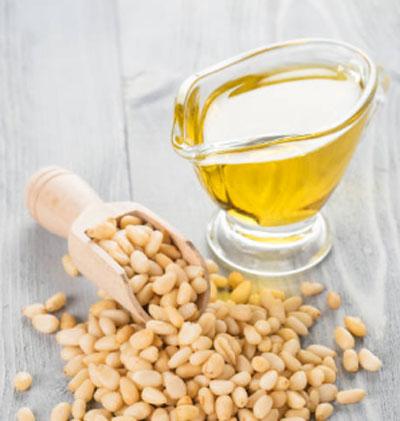 Свойства кедрового масла: польза и противопоказания